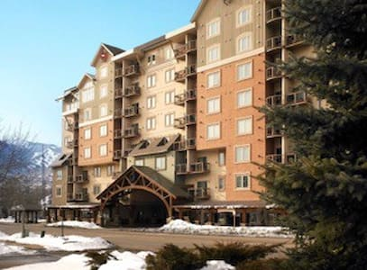 1 Bd Christmas Ski Week At Sheraton Mountain Vista - エイボン