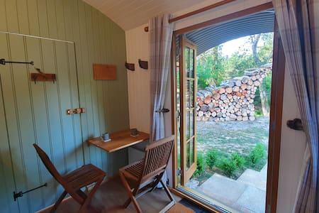 An idyllic shepherd's hut in the heart of Purbeck