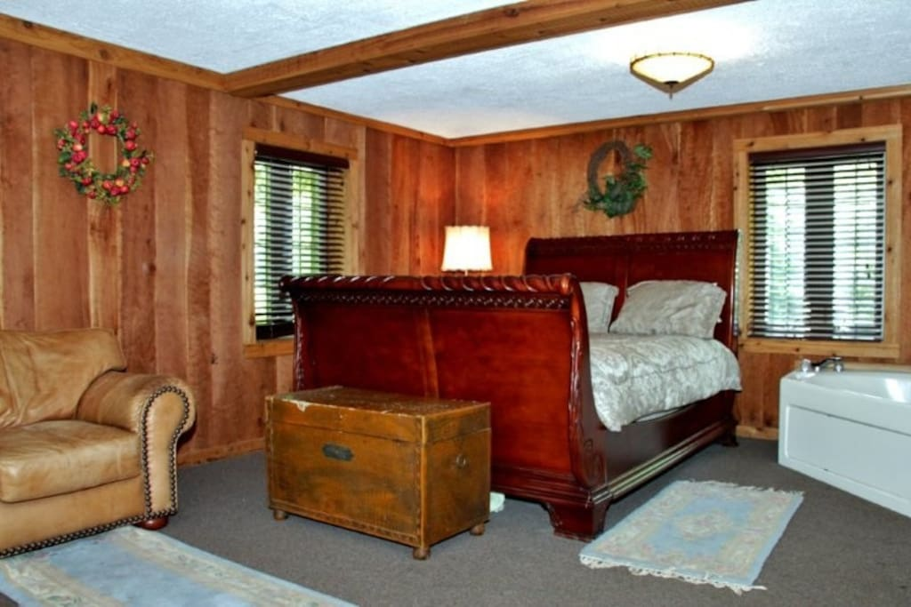 1st floor bedroom.
