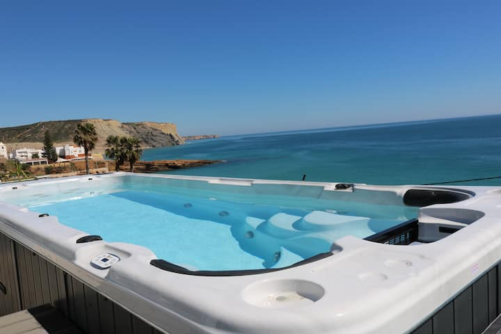 Casa do Mar - Luxury Villa with Swimspa