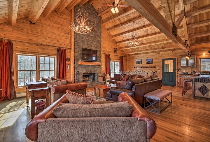 Cabin w/Climbing Wall & Game Room, 5 Mi to Mt Snow