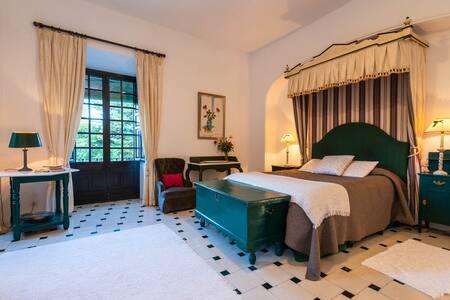Palacete de Cazulas, Room 6