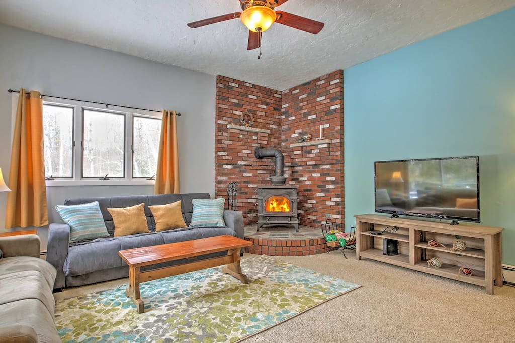 Gather around the TV and fireplace while spending quality time with your family or friends.
