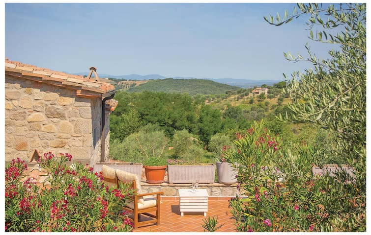 Holiday cottage with 2 bedrooms on 110 m² in Seggiano GR