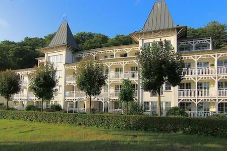 Villa Seeschloss Binz Wohnung 27 - Binz - Villa