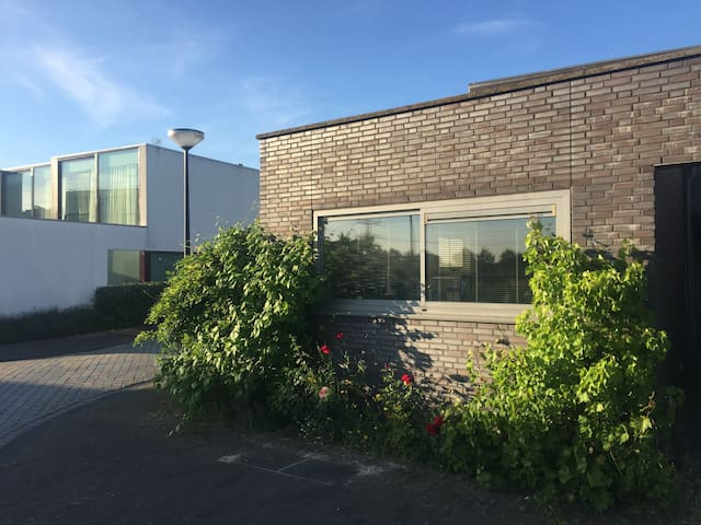 Spacious house (290 sq m) at IJburg