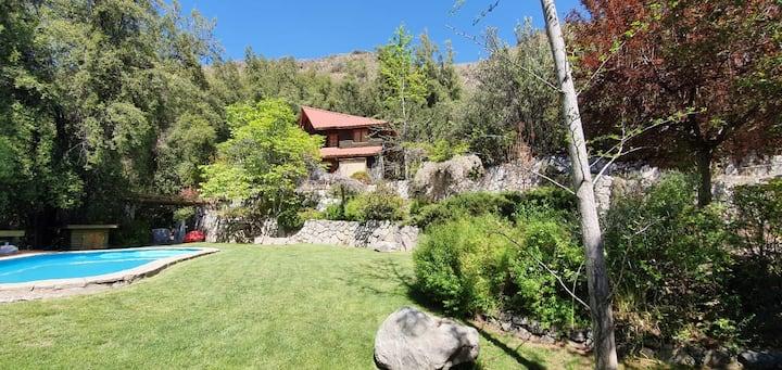 Casa de Montaña inmersa en Bosque Nativo