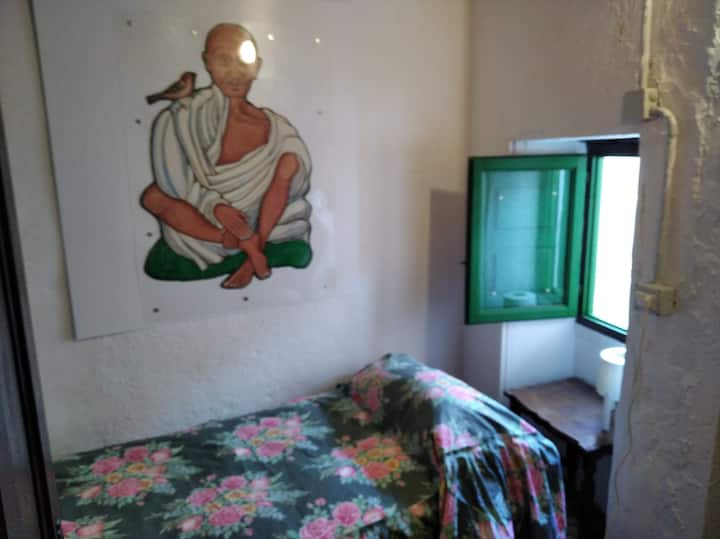 Mahatma Gandhi's Room - South Tenerife - I MITI