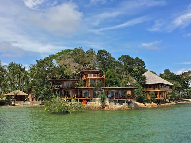 "LooLa's luxury eco villa ""Isabelle"" - Gunung Kijang - Villa"