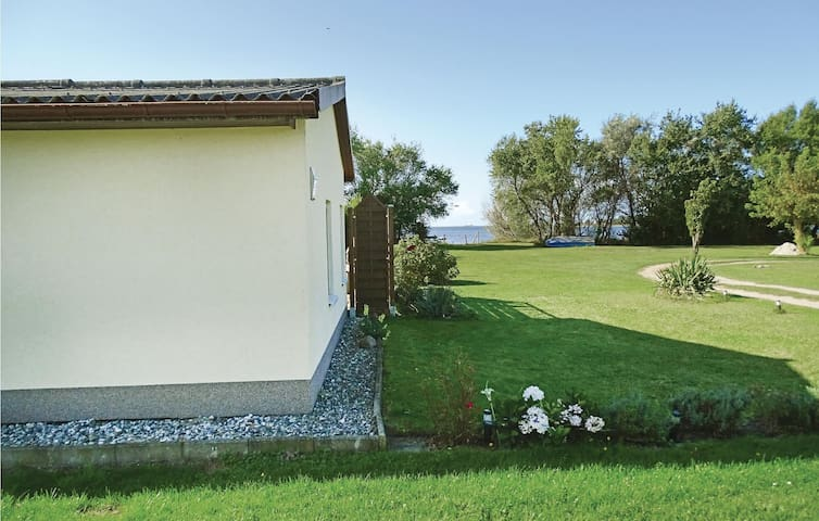 Holiday cottage with 2 bedrooms on 50 m² in Boiensdorf