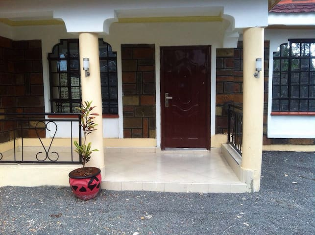 4 BED FULLY FURNISHED HOUSE OFF THIKA ROAD