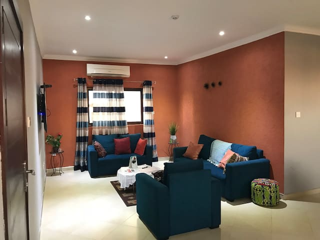 Spacious Apartment in City Center - Osu, Accra