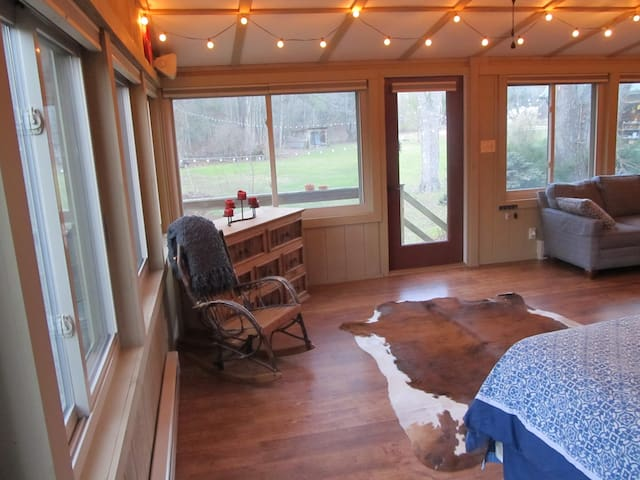 Quiet & Cozy Cabin 20 Minutes from Penn State! - Tyrone - Cabin