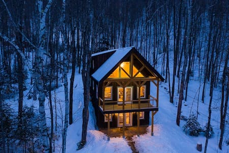 New Cabin, Hot Tub, Wooded, River, Fire Place