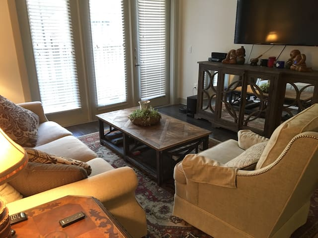 Private room in Heights w/ bathroom - Houston - Wohnung