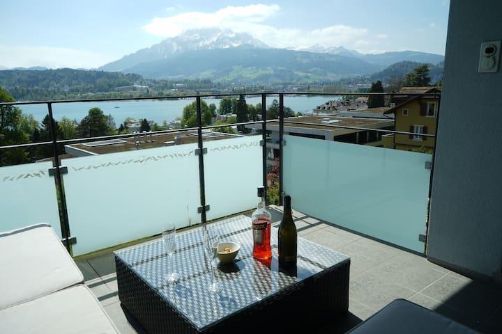 City Flat with Lake View - Luzern - Apartmen