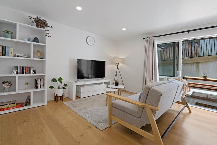 Private & Spacious 2BR. Sleeps up to 6.