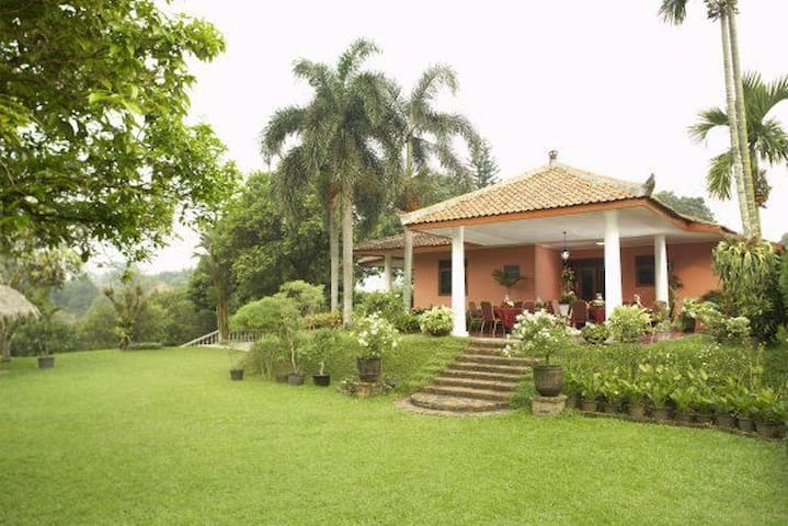 Sari's Farm - Bogor Barat - Vila
