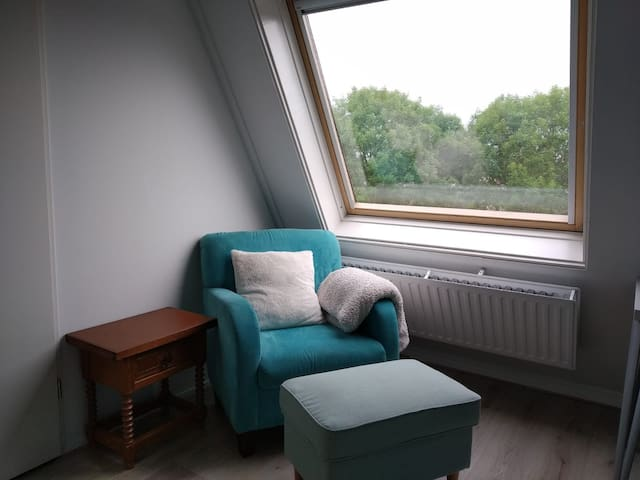 Cozy room with beautiful view in quiet area