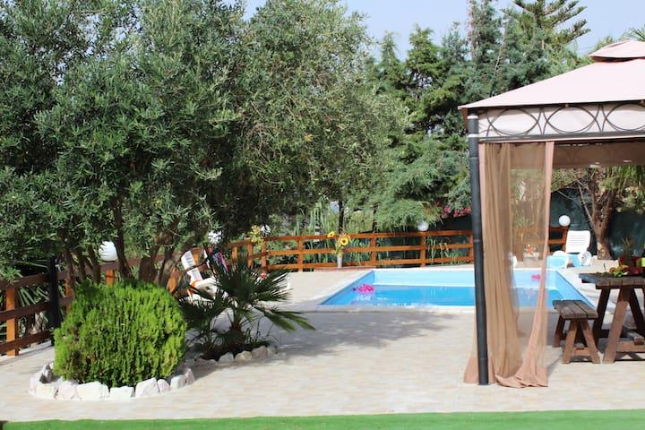 Casa vacanza con piscina - Alcamo - Villa