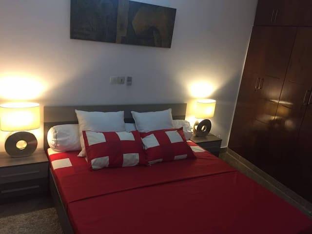 Belle Chambre dans un appartement, Cocody
