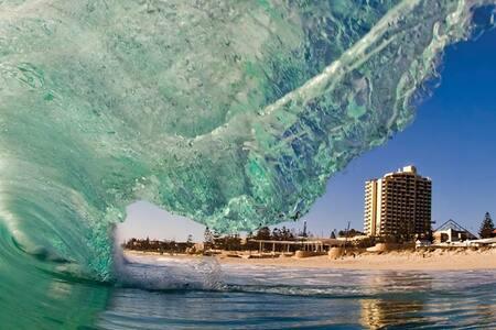 Beach to City Stay - Innaloo - Huis