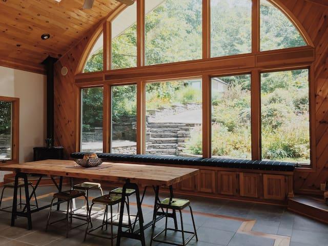 The Bluestone Farmhouse, Featured on Airbnb TV Ad!