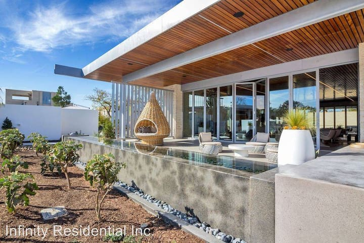 *Ultimate Luxury Living In Irvine-Near All Beaches