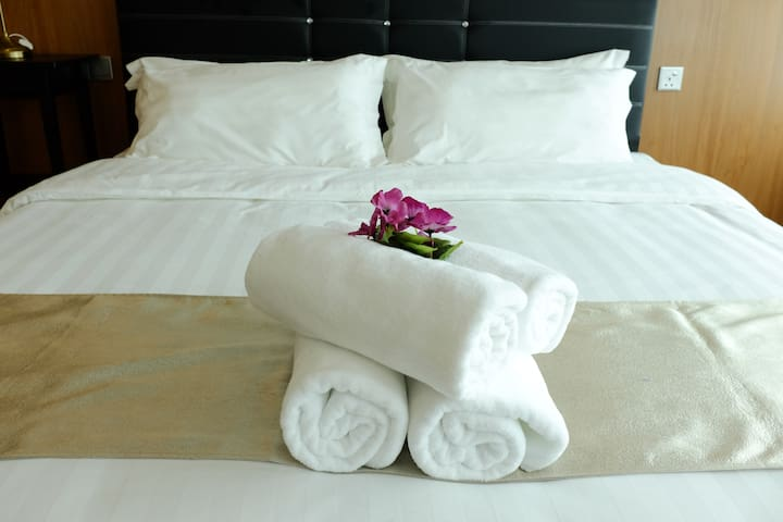 Vortex#3: 2+1 BR Suites with 5 mins walk to KLCC!! - Kuala Lumpur - Departamento