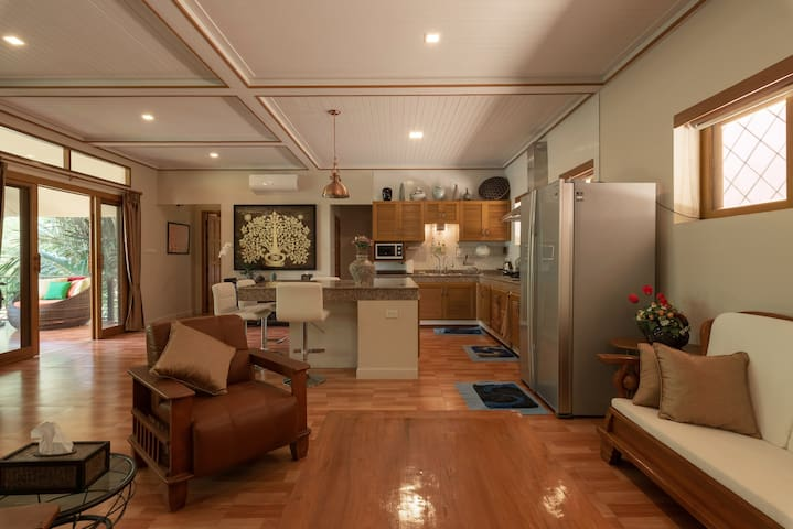 Bright and spacious open plan living room and kitchen