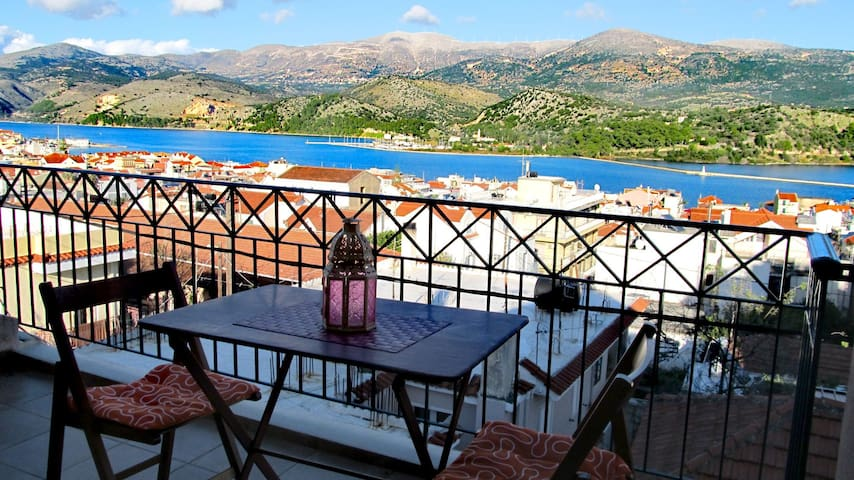 Peri's Argostoli apARTments - Top floor loft