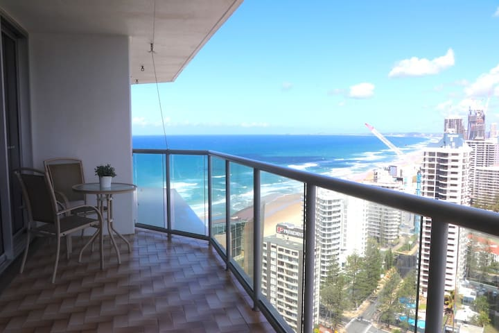 2 bedroom apartment, Central Surfers Paradise