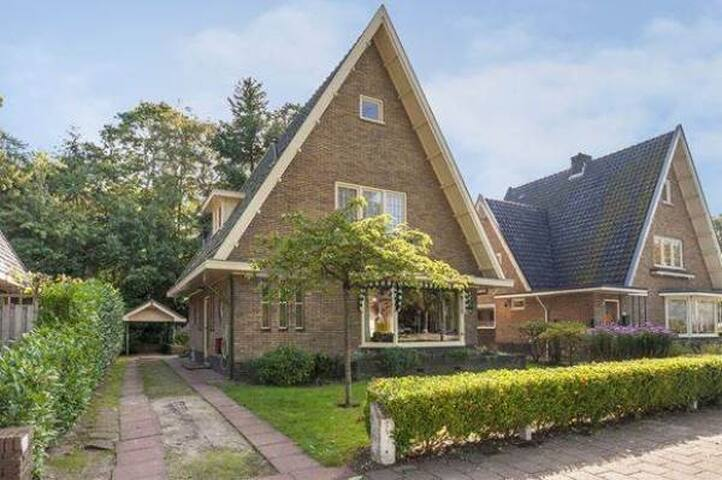 Riante uitstekend gesitueerde  villa