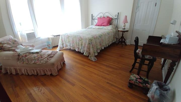 The Grand B & B Victorian (Rose Room)