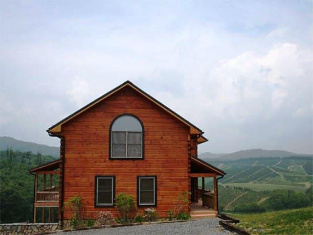 River Mountain Cabin - Todd - บ้าน