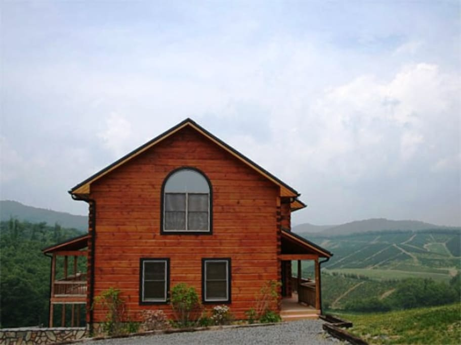 Large family cabin rental near Boone NC and Blowing Rock, NC .