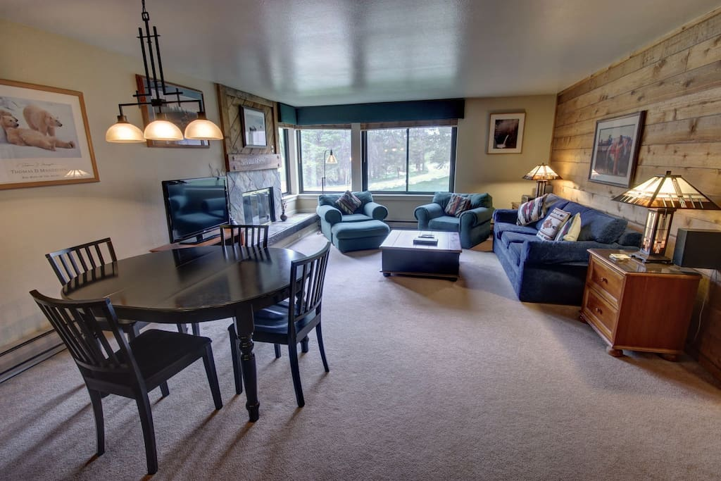 Great ski vacation condo at Mall 1413