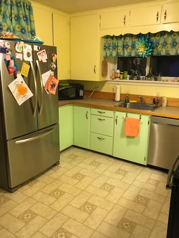 Cozy Near Glacier Park and Downtown - Columbia Falls - Huis