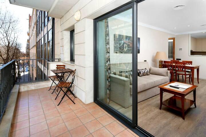 Apartment 4 minutes walk from the Sagrada Familia (3 PAX)