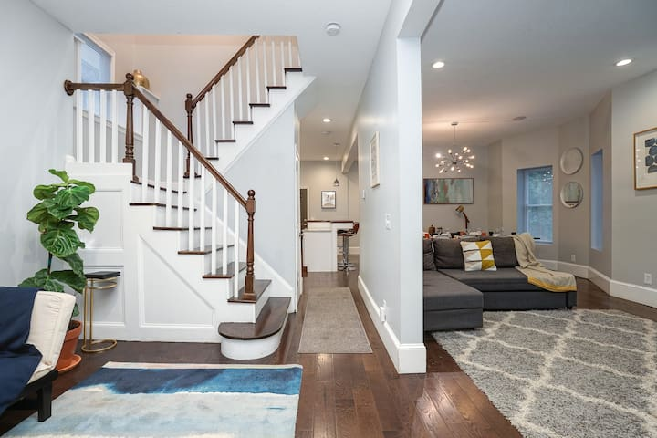 Extra Clean! Remodeled Historic Home Near Westport