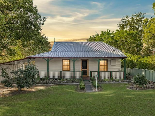 Delightful Dungog Cottage Close to Town Centre