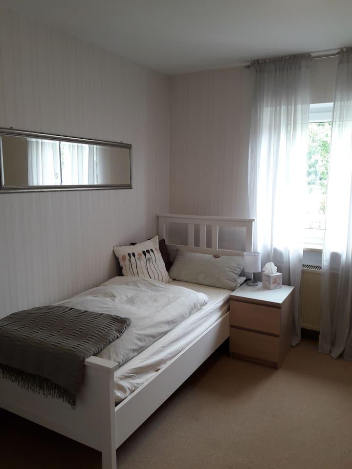 Klein & fein - Gemütliches Zimmer mit eigenem Bad