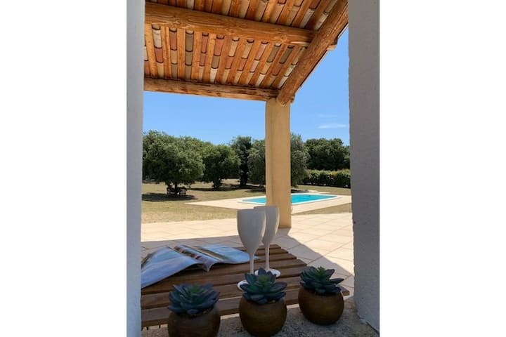 Einladende Villa in Bonnieux mit privatem Pool