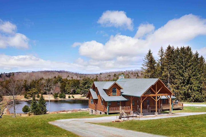 Sanctuary: Spacious & Private Retreat in   Nature
