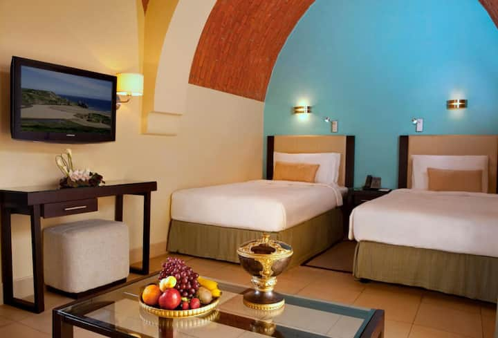 R 1511 The Cove Rotana Resort Ras Al Khaimah with Electric Car Charging , Sauna , and Children Pool