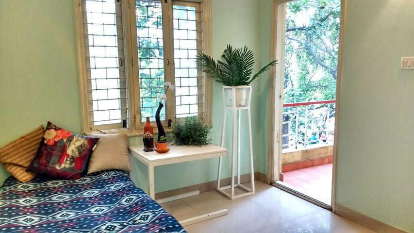 Comfortable and chill stay - For Females only - Bengaluru - Hus