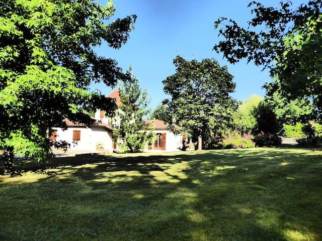 Maison du Soleil  Dordogne Périgord - Couze-et-Saint-Front - Talo