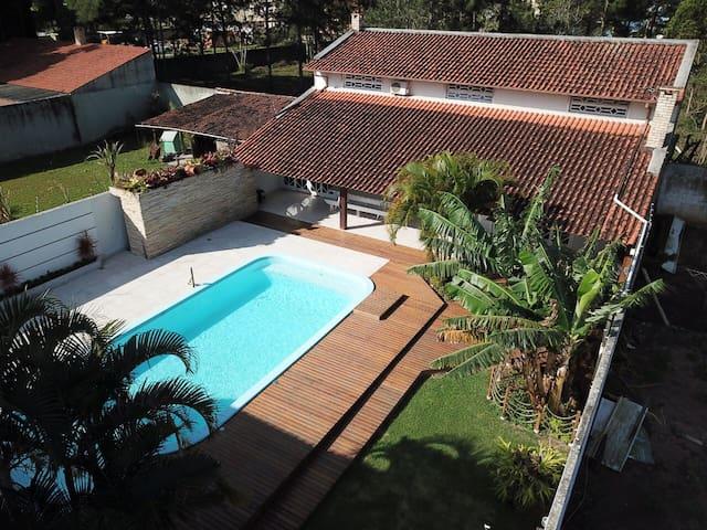 Casa com piscina campeche 04 pessoas