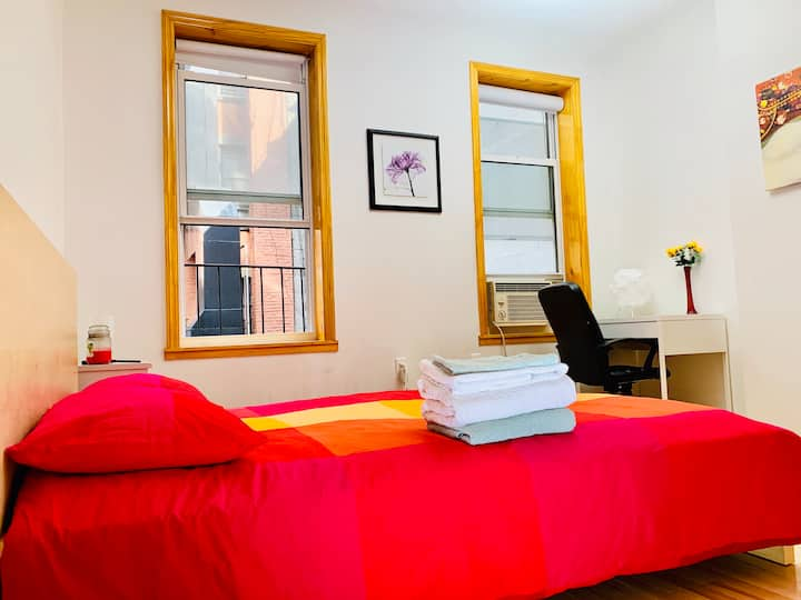Large 1BR Apartment in Unbeatable LES Location