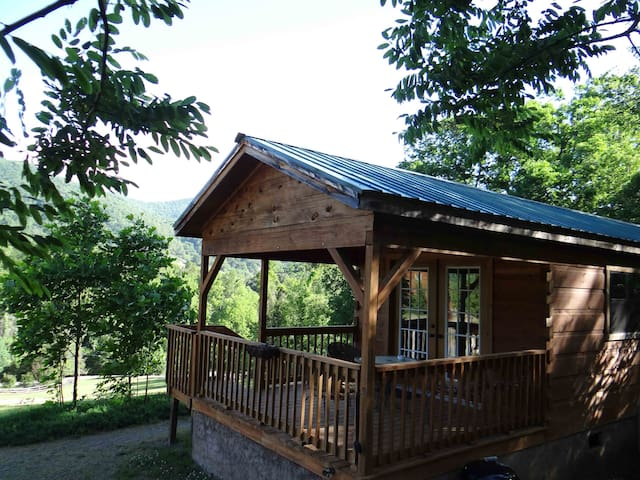 Asheville's Country Retreat- Looking Glass Cabin - Candler - Cabaña